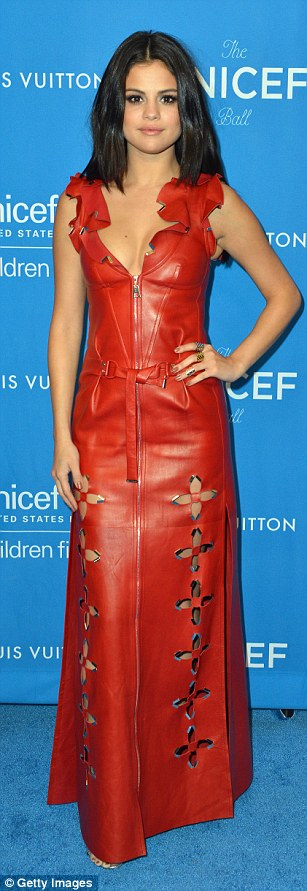 301D8AFD00000578-3396858-Leather_look_Selena_wore_stunning_red_leather-a-31_1452677085983